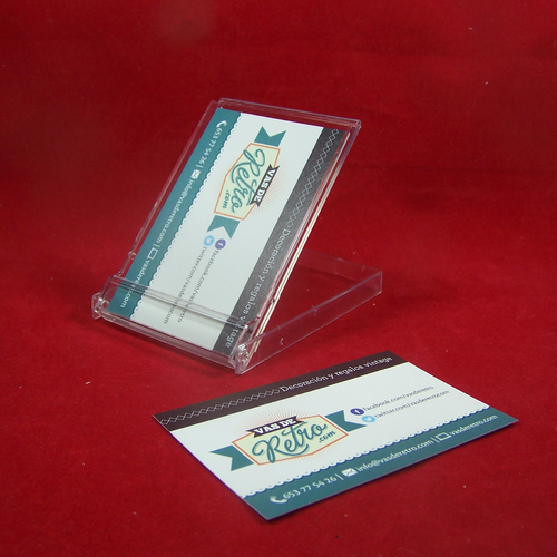 Business card case for up to 20 cards of 88 x 56 mm.